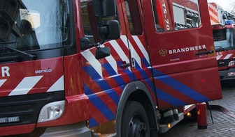 Auto gaat in vlammen op in Hoograven