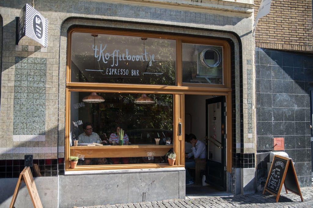 Jette & Jildou drinken koffie bij 't Koffieboontje: 'Een kleine parel in de binnenstad'