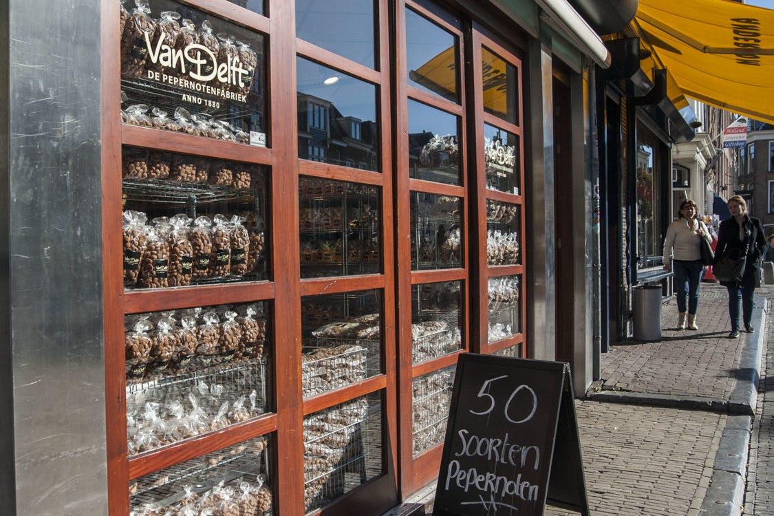 Pepernotenwinkel op de Vismarkt weer open