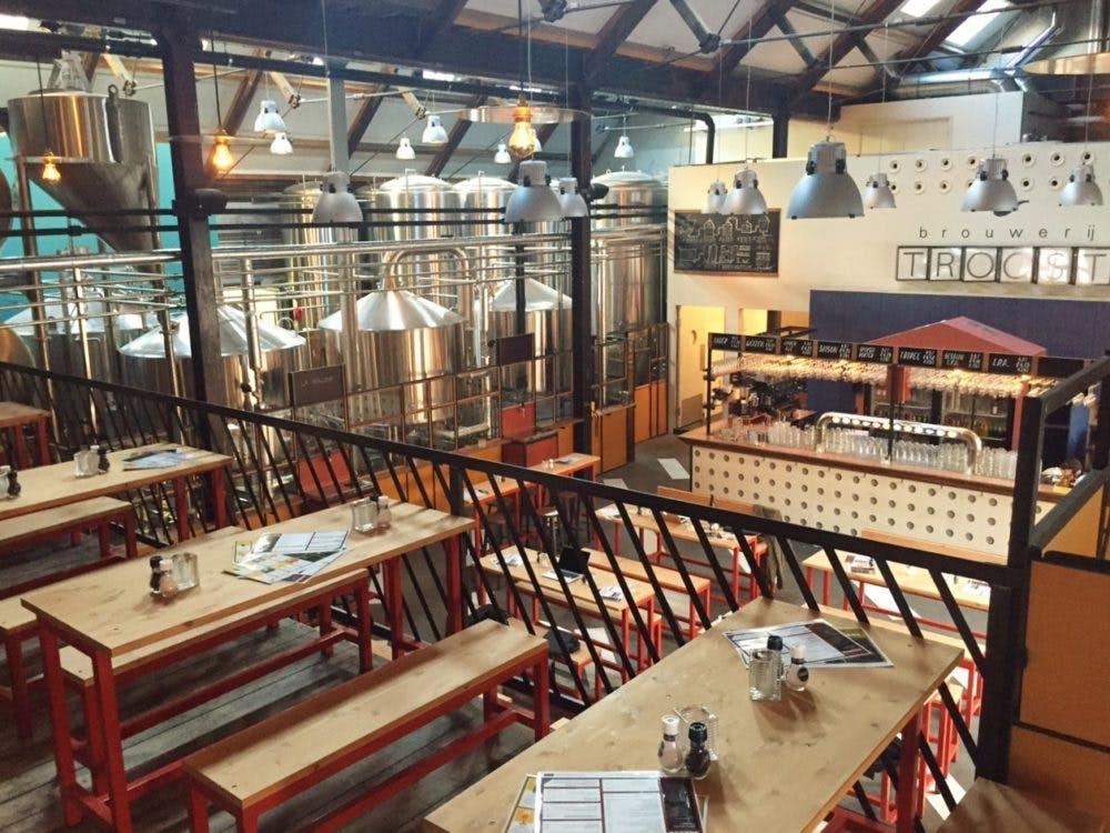 """Amsterdamse brouwerij Troost opent vestiging in werfkelder: """"Deze plek ga je niet zo snel vergeten"""""""