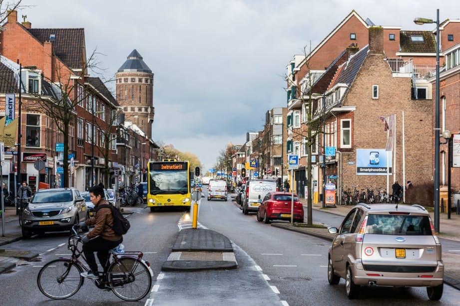 Aangepast plan Amsterdamsestraatweg: groter winkelgebied en meer terrassen