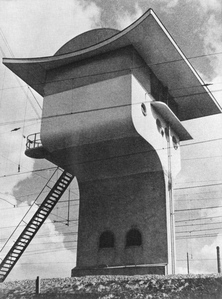 Verdwenen gebouwen: Het sculpturale seinhuis bij de Leidseveertunnel