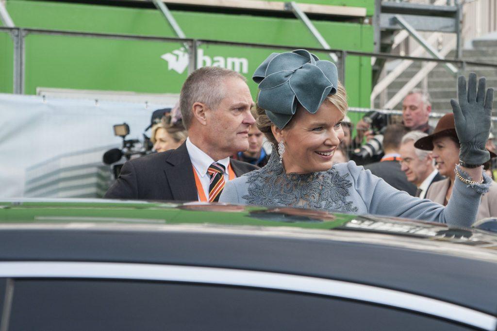 Om 11.20 uur vertrokken de koninginnen weer.