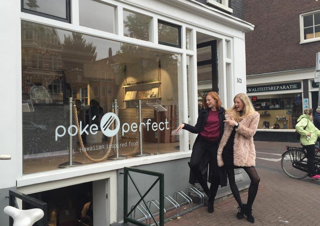 """Restaurant Poké Perfect naar Utrecht: """"Soort sushi in een kom"""""""