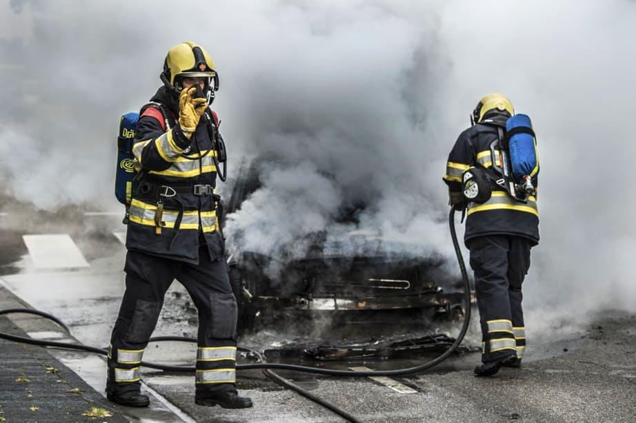 Auto's gaan in vlammen op in Overvecht