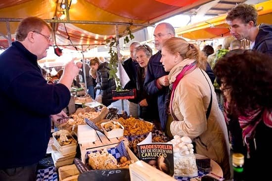 Opbrengst ondernemer kerstmarkt Twijnstraat gestolen