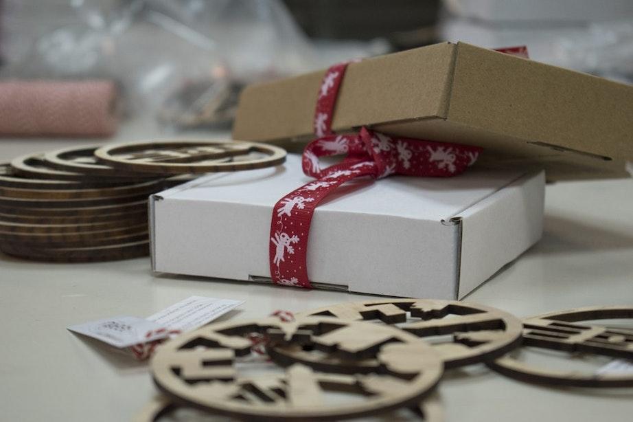 Gekapte bomen uit Utrecht krijgen een nieuw leven als kerstbal