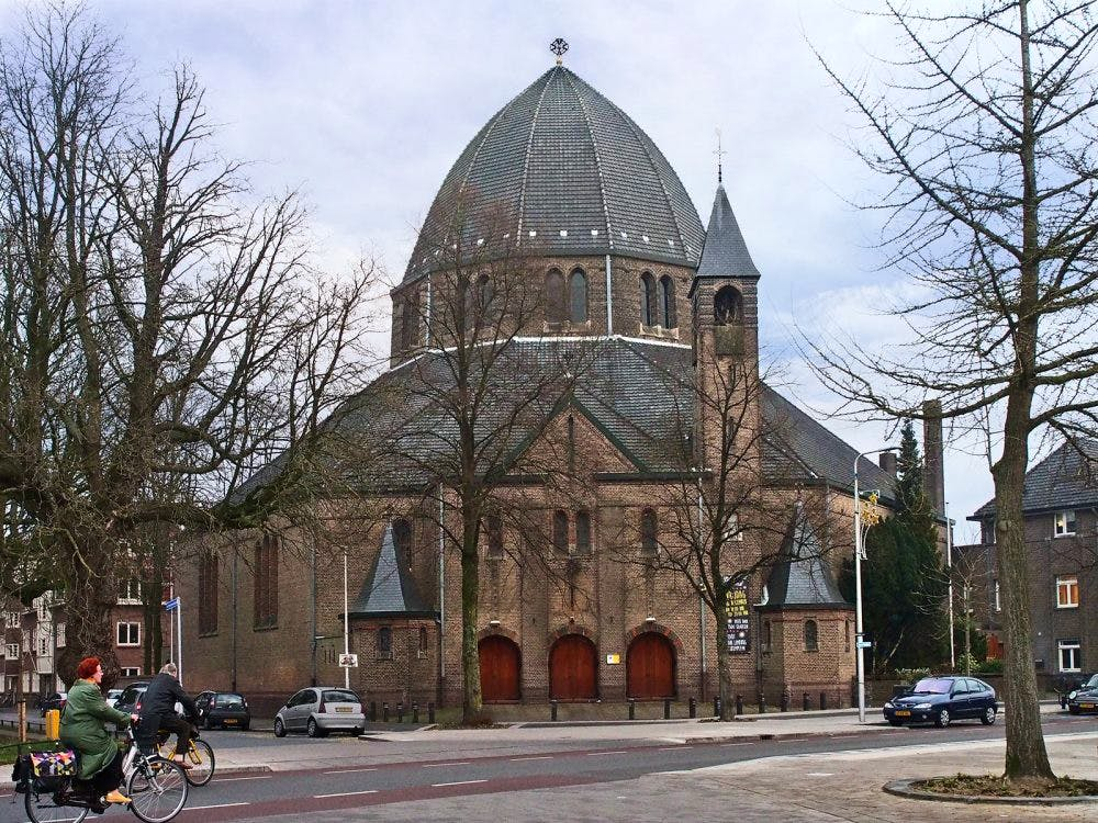 Aloysiuskerk: een 'Oosters' kerkgebouw in Utrecht Oost
