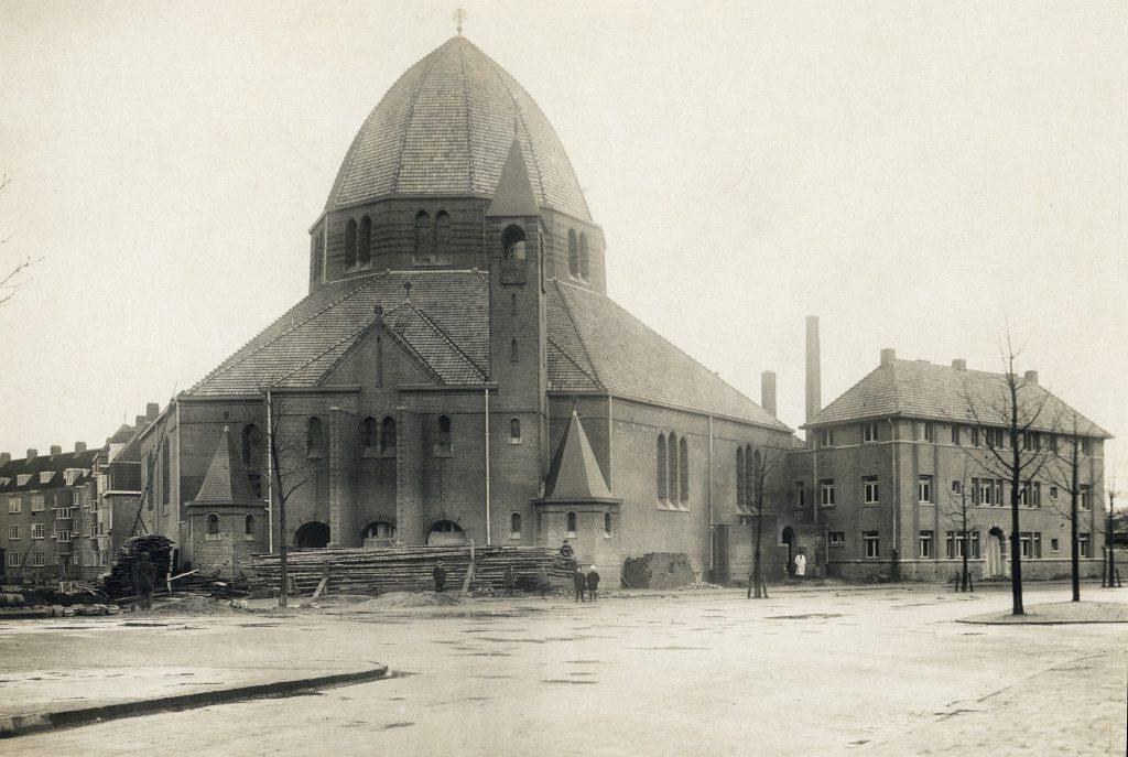 Vlak voor oplevering, 1924 (Het Utrechts Archief)