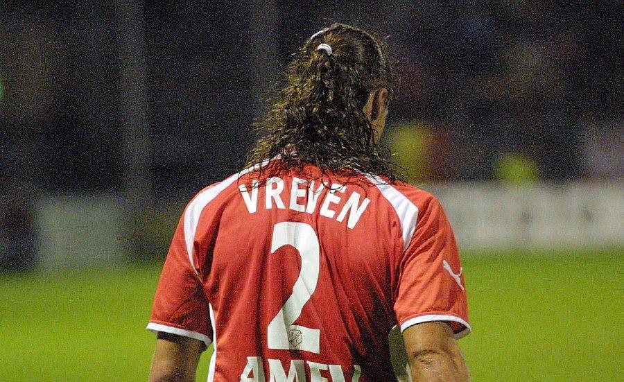 FC Utrecht ontvangt Stijn Vreven met 'Utregse wors'