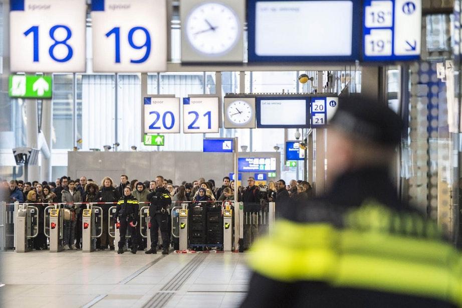 Chaos Utrecht Centraal kwam door bommelding, man aangehouden