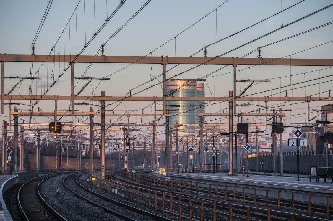 Geen treinen tussen Utrecht en Arnhem door defecte bovenleiding