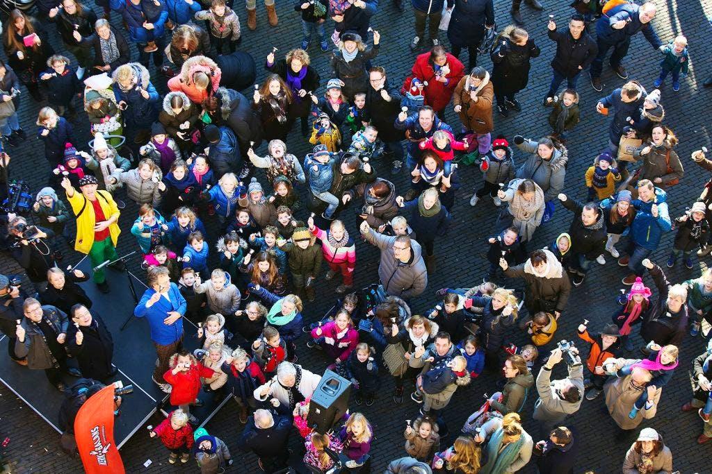 Geslaagde recordpoging klokluiden op Domplein