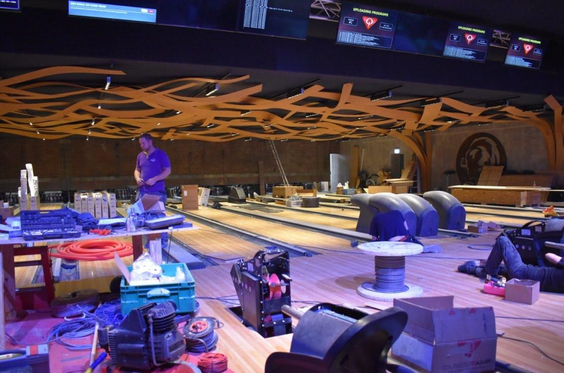 Sneak peek: Dit is over 24 uur de nieuwe, hippe bowlingbaan van Bison