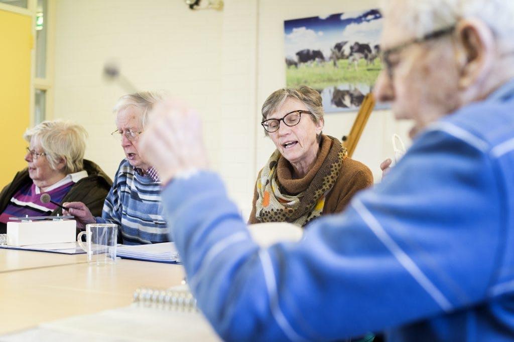 Onder de Mensen: Samen iets beleven bij inloophuis voor beginnende dementie