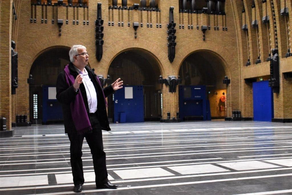 Met de directeur op pad in de toekomstige bibliotheek aan de Neude