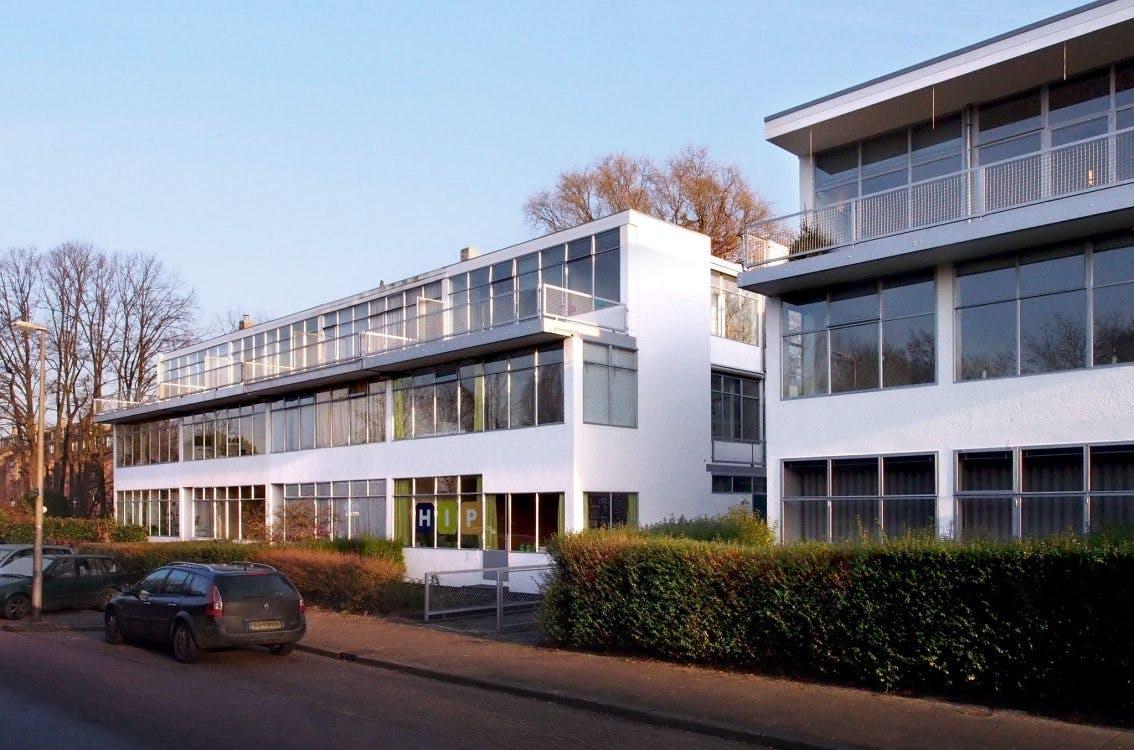 Erasmuslaan: 'bevrijd wonen' met Gerrit Rietveld
