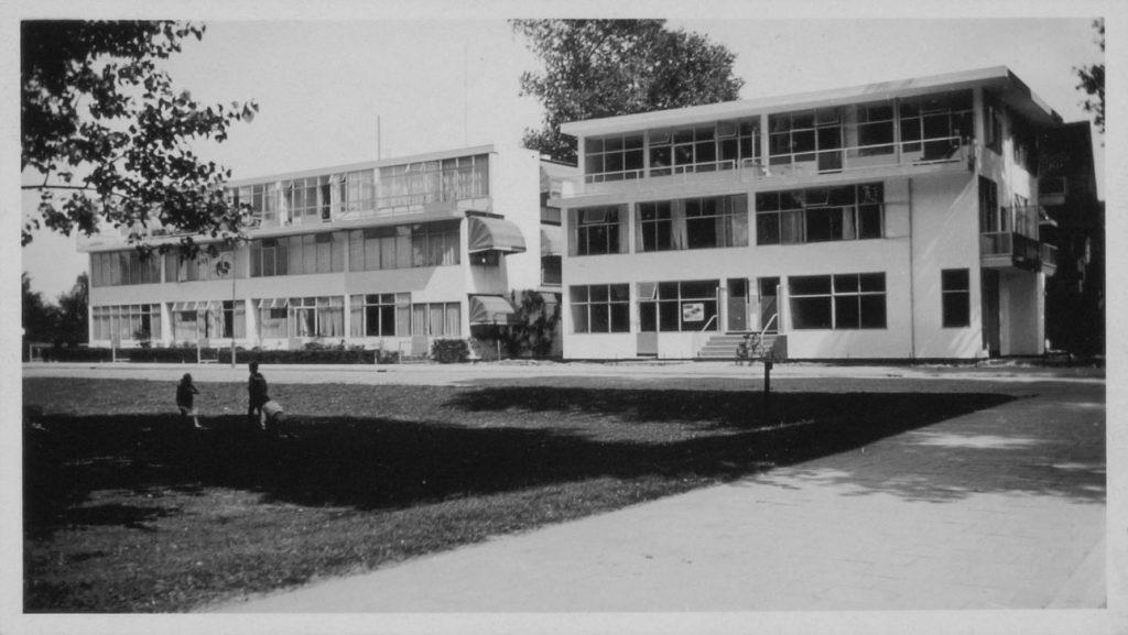 Beide woonblokken Erasmuslaan rond 1935 (Rietveld Schröderarchief/Centraal Museum)