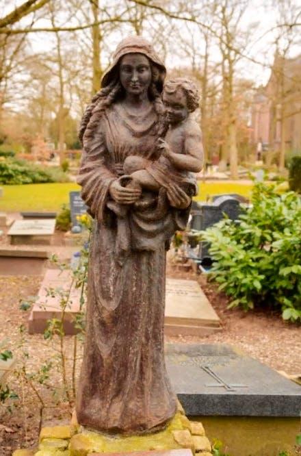 De geheimen van St. Barbara: De madonna van zuster Marie-José van der Lee