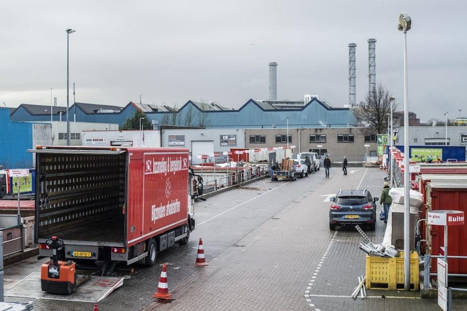 Drukte op Utrechtse afvalscheidingsstations: 'Kom alleen als het echt moet'