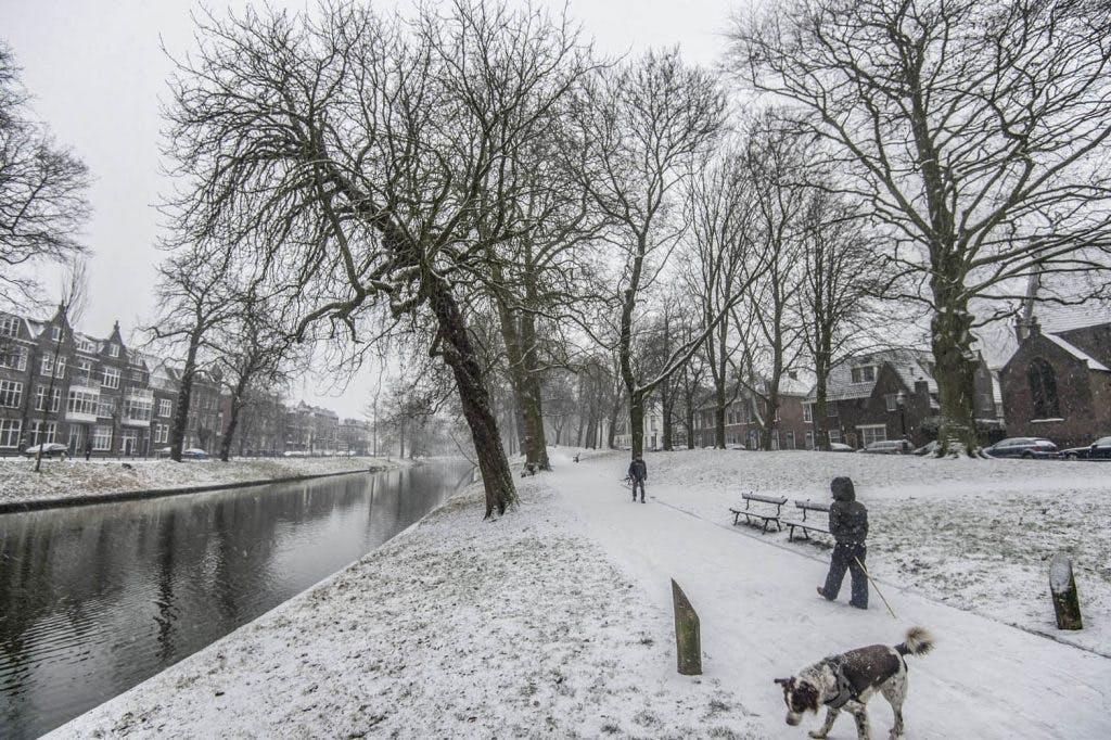 Foto's: Het sneeuwt in Utrecht