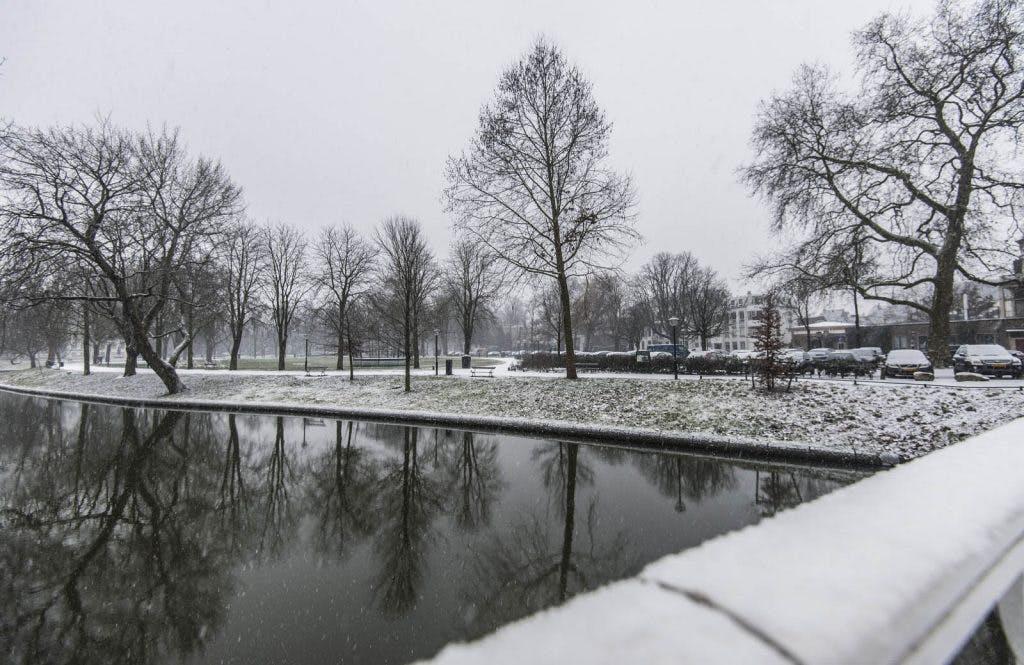 Geen busverkeer meer mogelijk in Utrecht door hevige sneeuwval