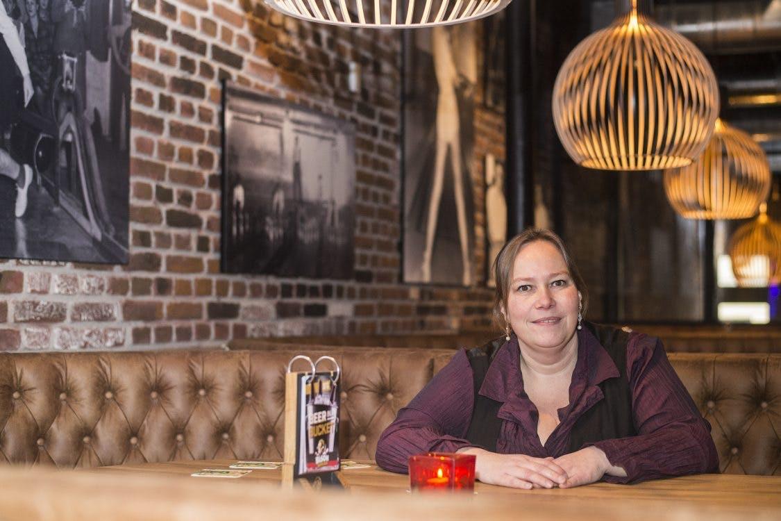 Bison Bowling Utrecht: 'Zolang de baan heel blijft, mogen ze op de banken dansen'