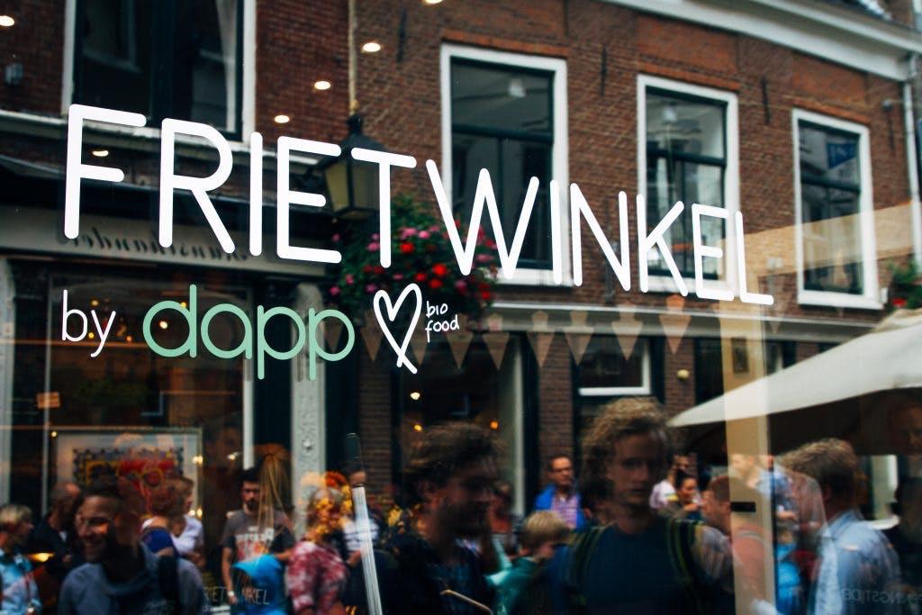 Prijswinnende Frietwinkel gedwongen tot naamsverandering