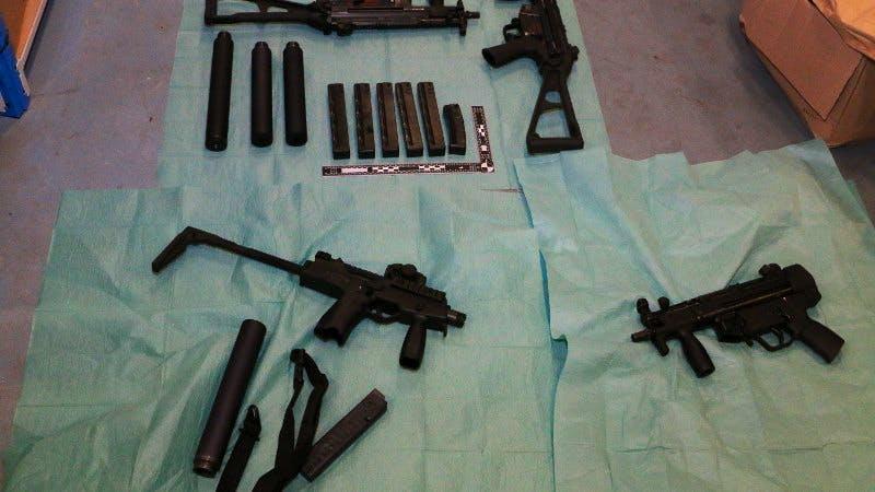 Utrechter opgepakt met meerdere automatische vuurwapens