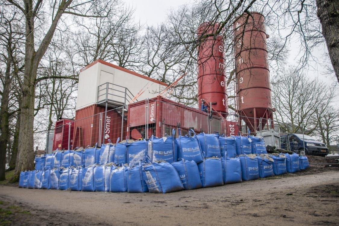 Cementfabriek Zocherpark blijft nog maanden staan: 'Geen andere optie'