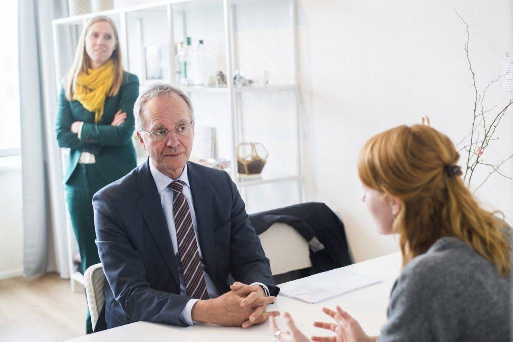 Minister Kamp bezoekt Flat met Toekomst in Overvecht