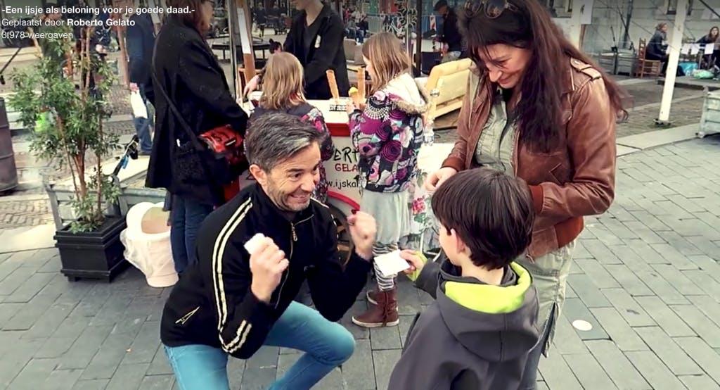 Roberto Gelato deelt ijsjes uit voor een goede daad