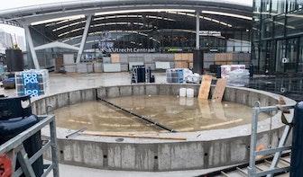 Water met stadsplattegrond op nieuw Stationsplein