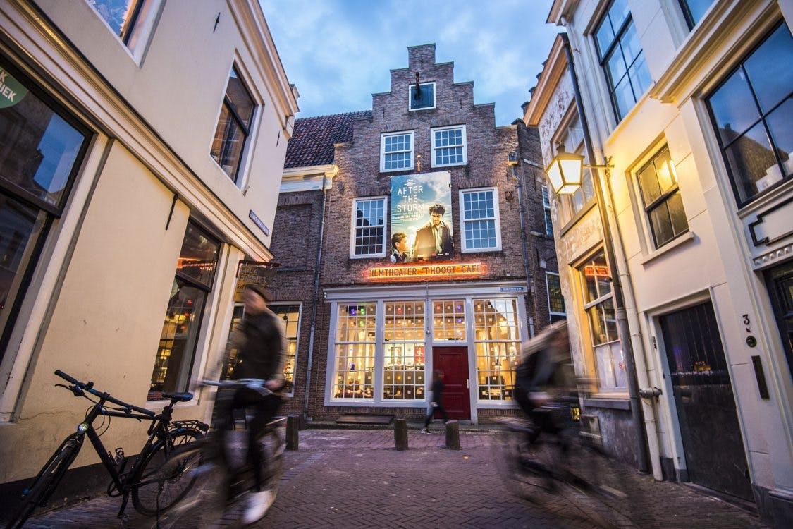 Gebouw filmtheater 't Hoogt in Utrecht staat te koop