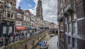 Foto's: Wedstrijd sloeproeien over de Oudegracht en de singels