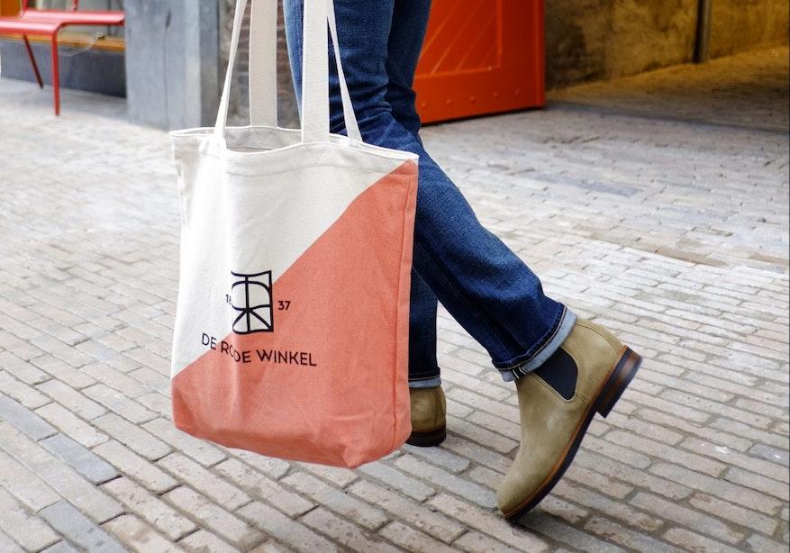 De Rode Winkel heropent dé grootste spijkerbroekenwinkel van Europa