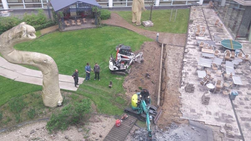 WKZ plaatst monument in tuin voor overleden kinderen