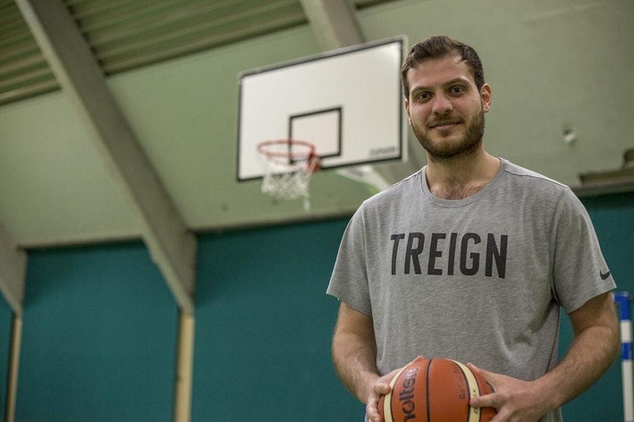 Onder de Mensen: Nieuw Syrisch talent op de basketbalclub