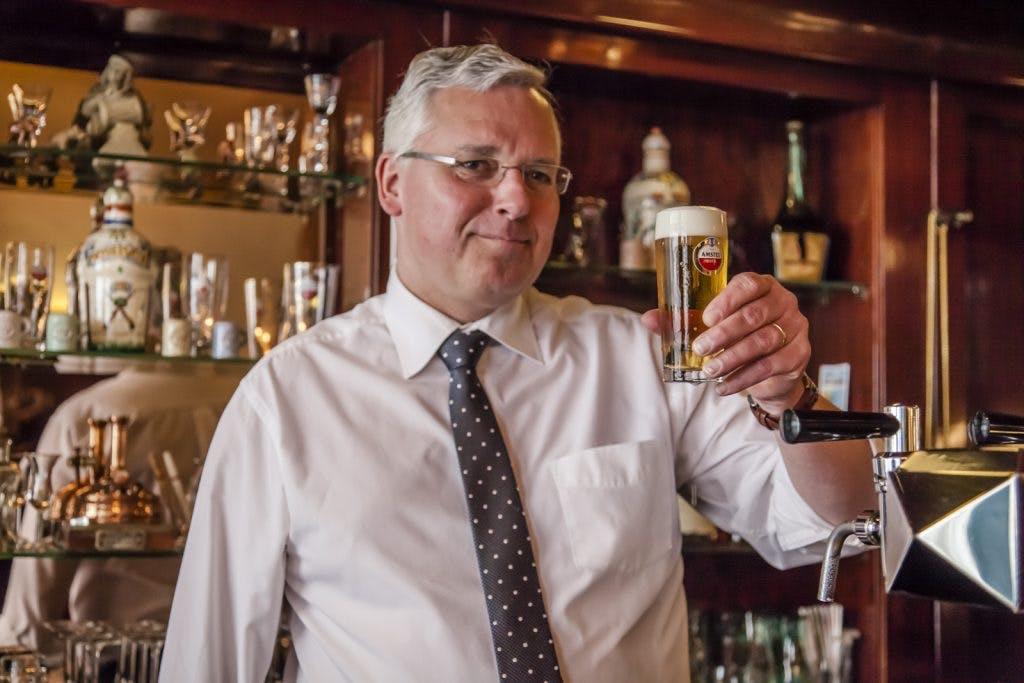 De Klassieker – Café Van Wegen: Een rustpunt in jachtige tijden