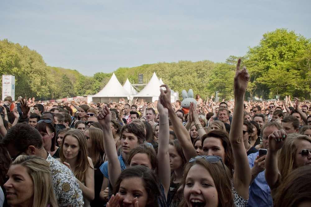Edison-winnares Roxeanne Hazes op Bevrijdingsfestival Utrecht