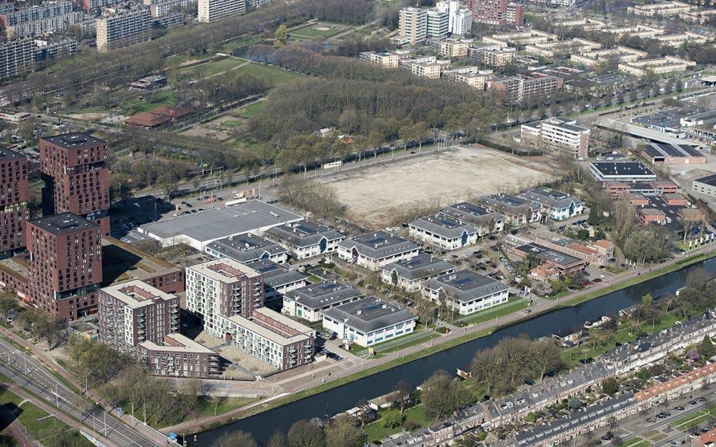 Bewoners bezorgd over komst vele woningen Merwedekanaalzone: 'Stop Manhattan aan de Merwede'