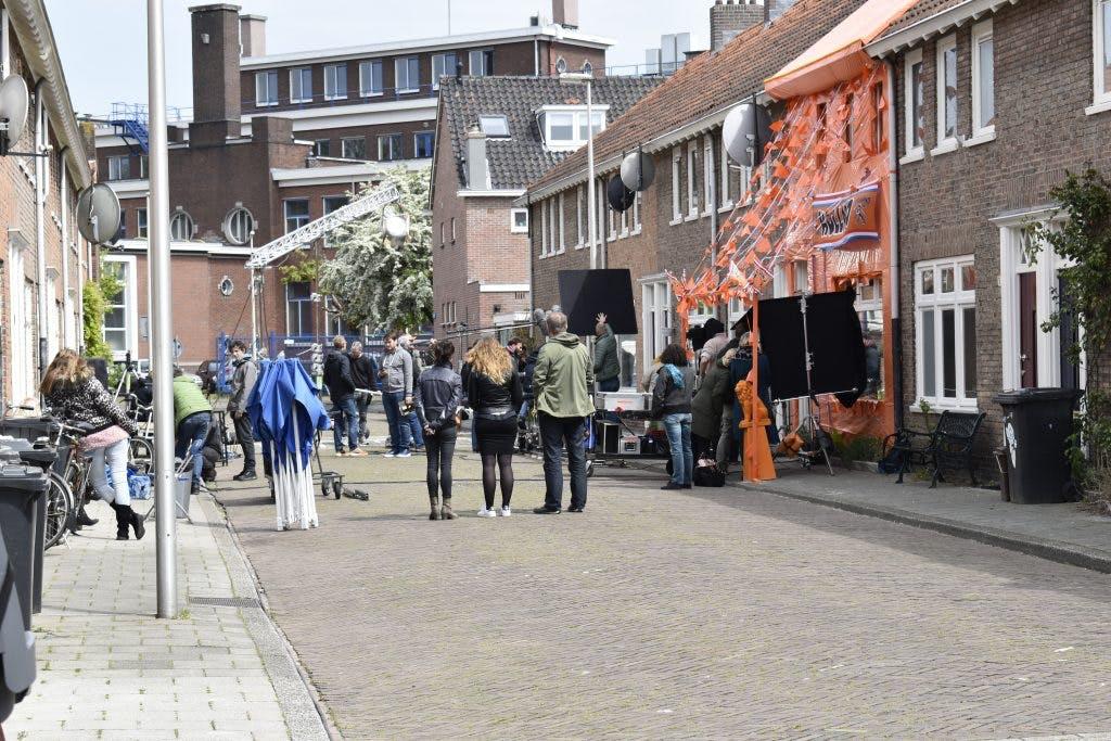 Plankstraat in Pijlsweerd is filmdecor van film 'Gek van Oranje'