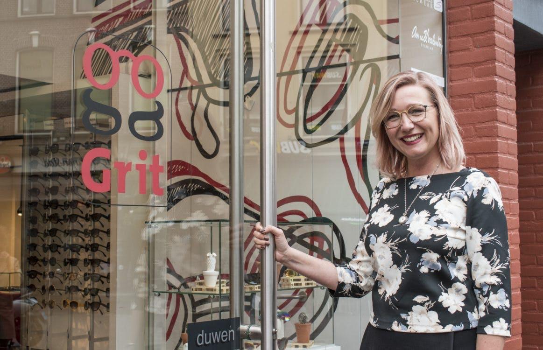 Op bezoek bij Grit Optiek: 'Ik heb zes brillen; voor iedere gelegenheid één'