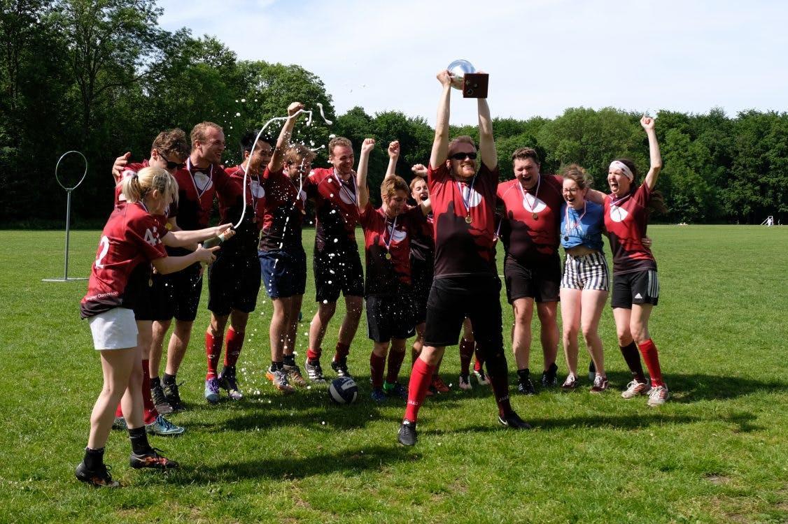 Utrechters winnen NK zwerkbal: 'De Ajax-Feyenoord van Quidditch'