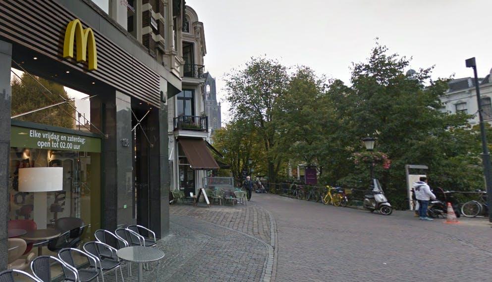 McDonald's Oudegracht donderdag tot zaterdag 24 uur per dag open