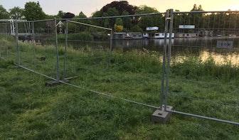 Vragen over hekken Muntkade: 'Weer een zomer de mooiste plek aan het water missen'