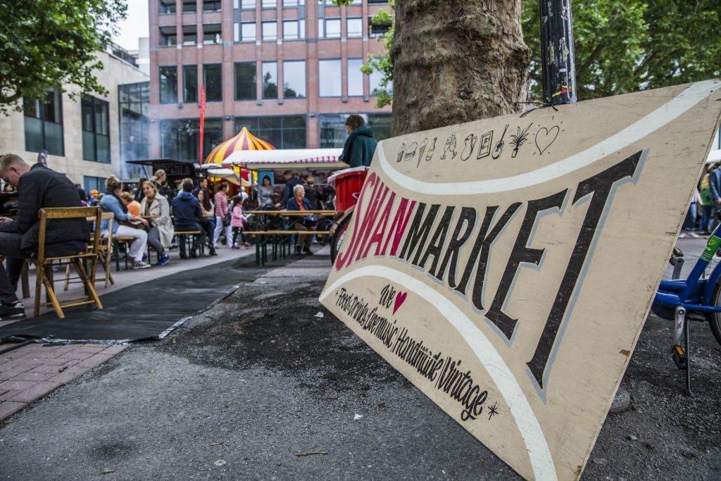 Foto's: Vier de zomer bij Swan Market Utrecht