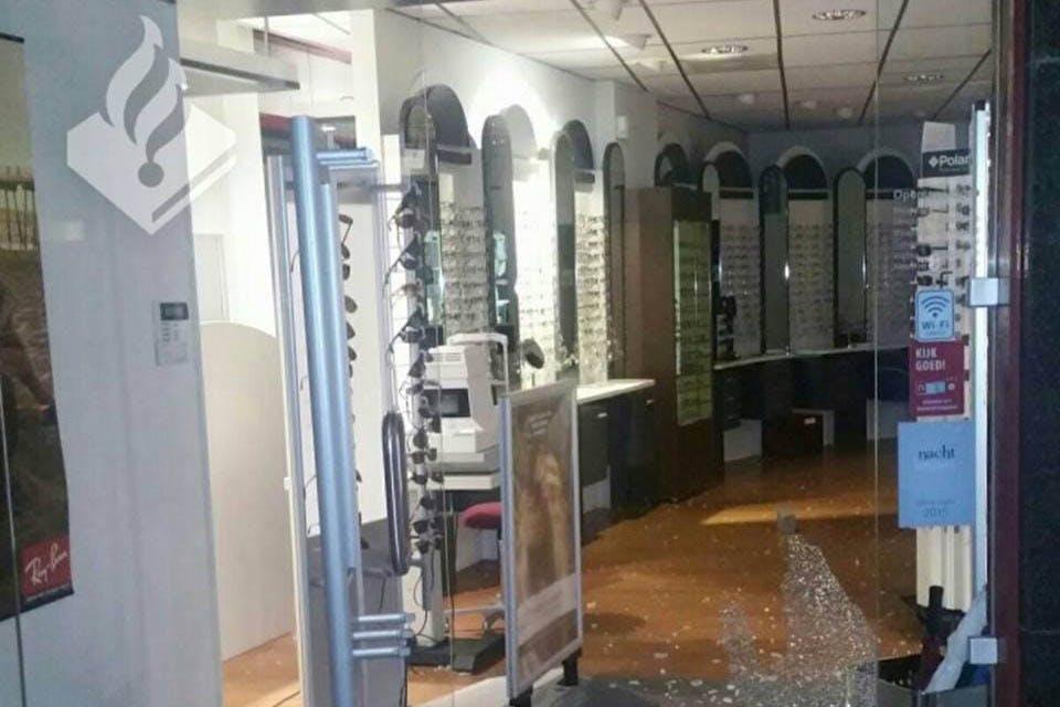 Twee arrestaties na inbraak brillenwinkel Biltstraat