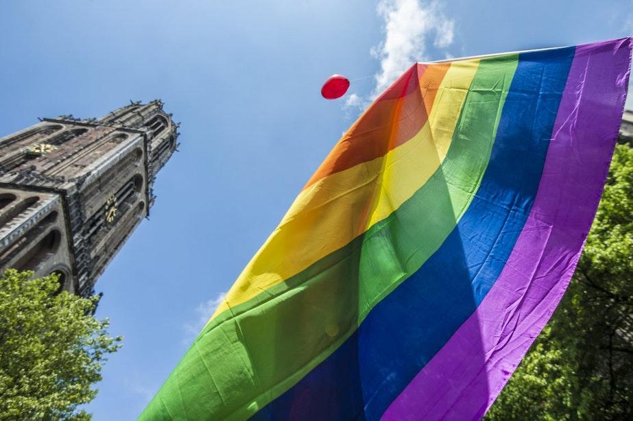 In Bodytalk tekenen 10 Utrechtse partijen vandaag het Regenboog stembusakkoord