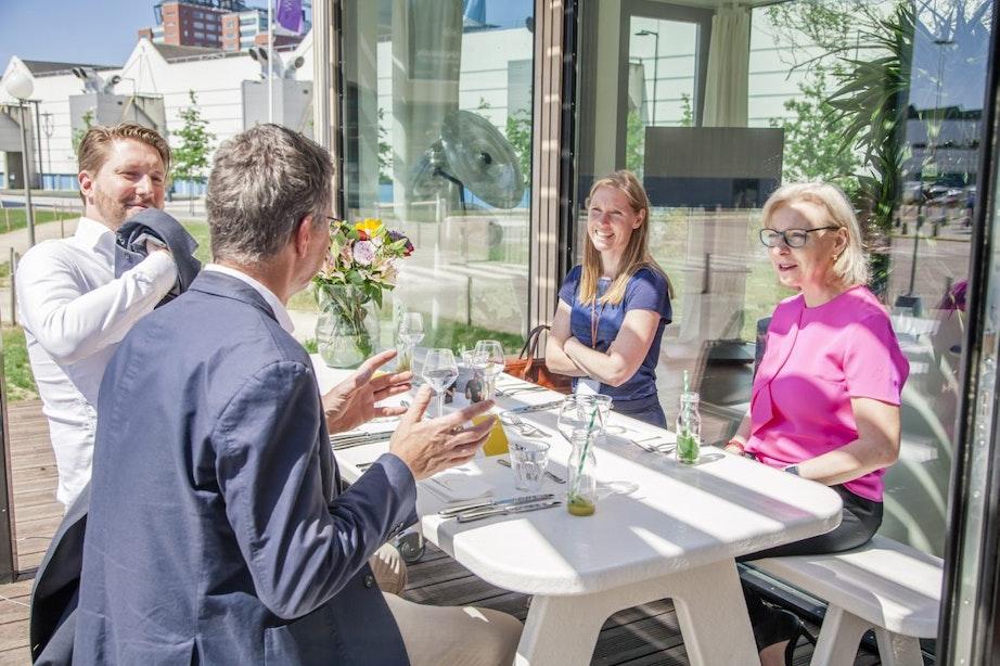 Planbespreking duurzaamheid tijdens Rabobank Voorjaarslunch in Rabo GroenHuis